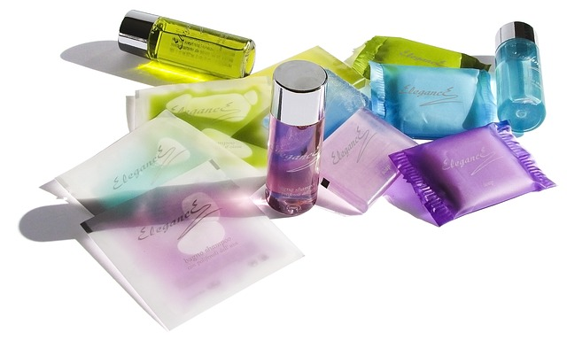 cosmetics-106982_640